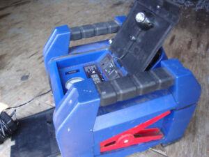 Petit compresseur pour pneu ou ballon (à batterie)
