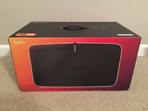 Brand new in Box Sonos PLAY-5 Wireless Speaker