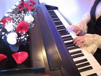 EXPERIENCED PIANIST AVAILABLE FOR HOLIDAY MUSIC