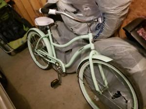 Beautiful pistachio cruiser bike