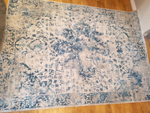 """Beautiful low pile area rug 6'6"""" x 9ft BRAND NEW"""