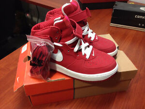 Nike Air Force 1 Mid Top V-Day Edition