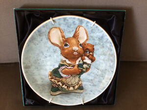 Rabbit collector's plate for Easter