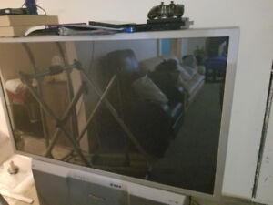 52 Inch Projection TV