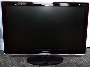 """Samsung P2770FH 27"""" Widescreen LCD Monitor (used) London Ontario image 2"""