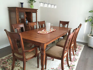 DINING Set in mint condition