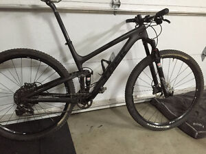 2016 Trek Top Fuel 29 Carbonne Large (19.5)