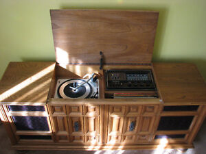 60'S WOODEN STEREO SYSTEM West Island Greater Montréal image 1