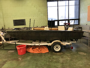 Duck blind boat
