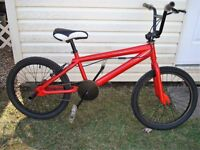 BMX red and black for sale (Negociable price) BMX a Vendre!