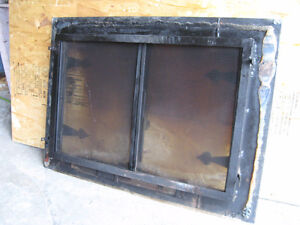 fire place 2 glass door cover West Island Greater Montréal image 2