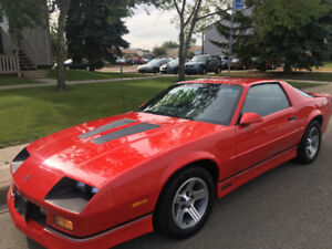 1990 Chevrolet Camaro IROC-Z Coupe (2 door)Rare car.