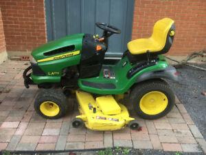 John Deere lawn tractor La175