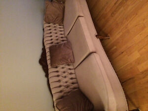 Couch with 2 matching chairs- very good condition