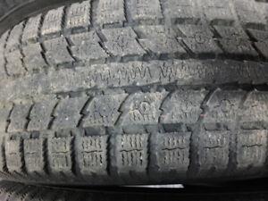 Pneus d'hiver Toyo - Winter tires 225-65-16
