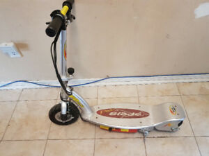POWER BLADE ELECTRIC SCOOTER