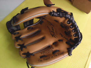 Rawlings 8.5 inch kids baseball glove for left handed person