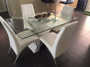 Gorgeous Glass and White Dinning table set