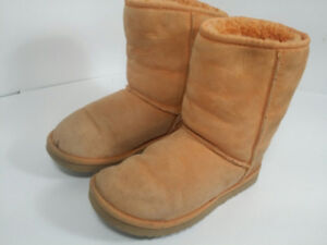 *UGGS - bottes femme - taille 7 ou 38*