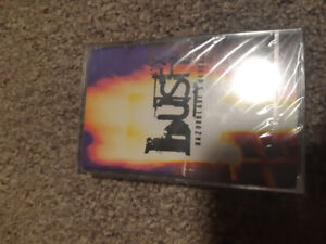 Bush-razorblade suitcase still sealed cassette