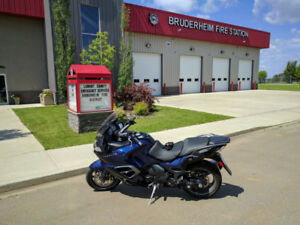 2015 Triumph Trophy SE ABS, very low kms w/extras