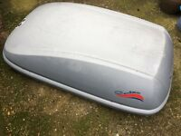 Karrite Contour large roof box with keys and fixings