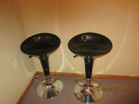 Swivel and height adjustable chairs