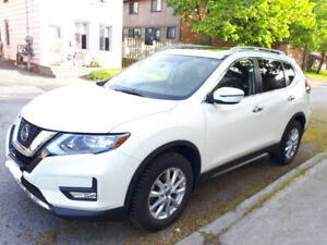 FOR SALE BY OWNER: Amazing 2018 Nissan Rogue SV AWD