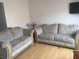 Beautiful sofa set mint used