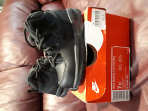 Nike ACG boys toddler black winter boots for sale