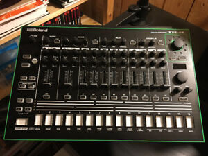 Roland TR-8 with 7X7 expansion set
