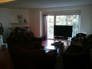 Winter Term Rental- One Room at 250 Keats Way- Walk to UW Kitchener / Waterloo Kitchener Area image 10