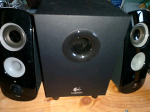 LOGITECH STEREO SPEAKER SYSTEM WITH SUB AUX IN
