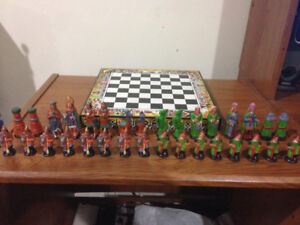 INCA/AZTEC HANDMADE AND PAINTED CHESSBOARD AND PIECES