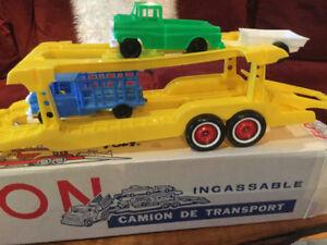 Vintage1963 Yellow Unbreakable Eldon Giant Transport Truck 30 In