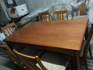 Dining Room Table - seats 8
