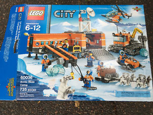 Lego Arctic Base Camp  60036