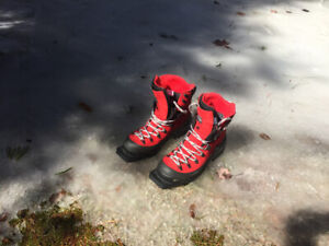 New Alpina Cross Country Ski Boots Size 11