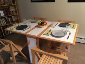 Gateleg table with 4 chairs