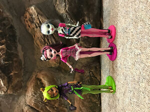 Monster High Dawn of the Dance Dolls Cambridge Kitchener Area image 1