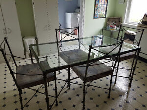 Dining set with 4 chairs and side table