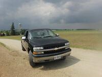 Clean Black 2001 Chevrolet Silverado 1500 Club Cab w/ 8 Foot Box