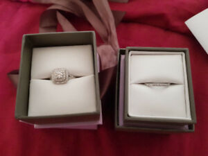 Michael Hill -Engagement Ring & Matching Wedding Band *Stunning*