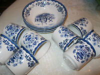 ***Blue Willow  Dinner Dishes***