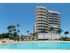 Pets allowed in this Penthouse on Longboat Key West coast of FL