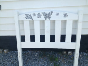 twin bed and frame & head board 39in X 72in  asking $125