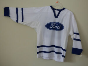 collectable souvenir Gretzky/Ford jersey
