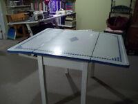 Table ancienne en granit à vendre