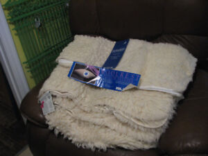 Woolrest bedding for single/twin.