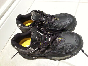 woman safety shoes  size 7